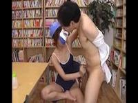 スクール水着の痴女JKがM男先生を上から目線の言葉責め手コキ!