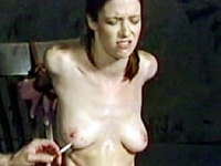 欧風メガネっ娘 乳房煙草焼印 首吊拷問