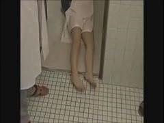 ヘンリー塚本 女性患者をガス室で眠らせて診察室で輪姦する非道な医者たち