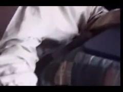 個人撮影 ダメよ..父さんがいるけえ.. 隣で寝ている夫を気にしながらも歯...