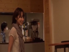 隠し撮り ショートボブ18歳のビッチ 女子大生! 《篠田ゆう カフェで&#x264...