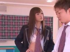 同級生M男を金玉舐めフェラ攻めで悶絶させるJK痴女動画