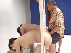 近親相姦企画 父親が娘たちのマムコにチムポをハメて娘を当てるゲーム