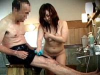 裸より恥かしい水着で混浴入ってみませんか?
