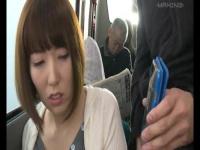 美人OLがバスでチカン男に執拗に乱暴されてしまう