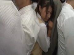 満員電車で下着越しに素股痴漢されるJK動画
