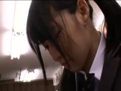 学校帰りに本屋で立ち読み中のJKを痴漢するレズOL動画