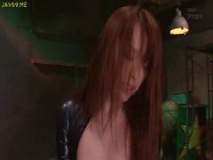 S級女優 並木優ちゃんがラバースーツの女捜査官で侵入してきたら、極太生ちんぽで返り討ちにしてやりましたwス...