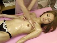 ママに内緒の性感マッサージ大作戦!!