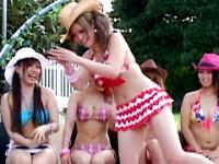 羞恥!おっぱいポロン☆ビキニが溶けるビーチコンテスト