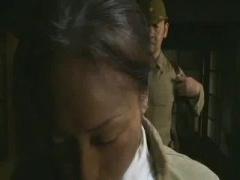 ヘンリー塚本 昭和初期、日本軍兵士と四十路巨乳熟女の淫らなロマンポルノ...