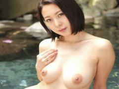 元スチュワーデスの巨乳美女と行く不倫温泉旅行、露天風呂でイチャラブセ...