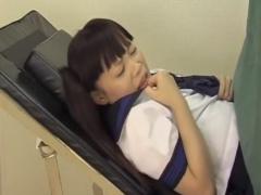 産婦人科盗撮 中出し検査を受けるツインテJK! ! 声をこらえても身体がピク...