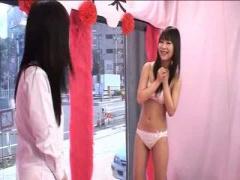 スレンダー素人JK美女に手コキをお願いしてみた マジックミラー号 MM号動画