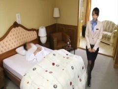 性接待サービスが付いてくるホテルで女性社員達が男性交互にフェラ抜き!