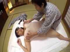 熟女人妻さんと不倫 浴衣姿でローションマッサージ 股間に食い込むランジ...