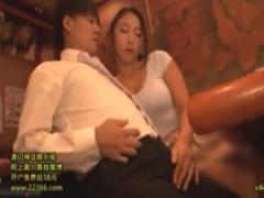 人妻 酔っぱらい巨乳上司の居酒屋フェラに口内射精、欲求不満妻の会社に内...