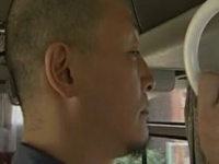 バスの車内で茶髪ロングヘアーの痴女に手コキされて大量射精する男達