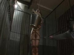 童顔女刑事を緊縛調教! ?鞭打ちや乳首責めで浣腸奴隷に仕立て上げる!