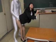 透明人間?襲われる中年女教師たち巨根挿入され精液注入中出し