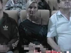 外国人 巨乳 映画館で声も出せず爆乳おっぱいを揉みしだかれる外国人美女