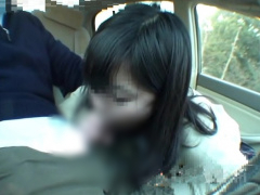 個人撮影 制服JKと車内で円光フェラ! 口内射精でごっくんしちゃった