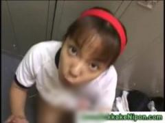JKフェラ抜き 更衣室で体操服女子校生が犯人捜しのために次々とフェラ抜き...