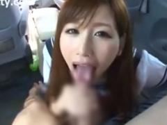 車内で援交JKがおじさんのちんぽをフェラ抜き  舌上射精