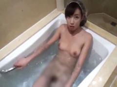 無修正 ガチ素人新婚夫婦が旅行ではしゃいでツイ浴室セックスを記念に個人...