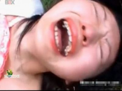 無修正レイプ 素人制服美少女JKを野っ原で犯したら 痛いぃ~ヤメてぇ~ っ...