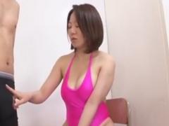 巨乳痴女お姉さんの熟練手コキ責めでザーメンを絞り取られるM男の動画
