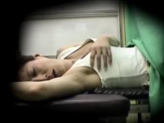 産婦人科 セクハラ産婦人科医の愛撫のような触診に声を出して感じてしまう...