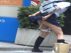野外羞恥排泄 浣腸されたJK姿の女子大生が街中で羞恥排泄!