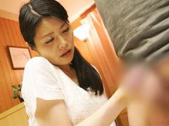 嫁が妊娠中に嫁の母親に一発だけヤラせてくれと懇願してみた結果 濃密中出...