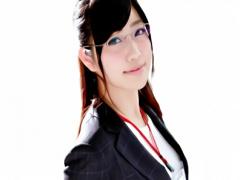 AVメーカーに勤務している激カワお姉さん、業務とは関係なく男優に激ピス...