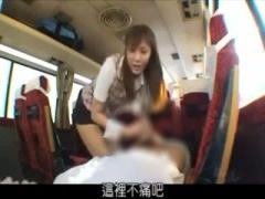麻美ゆまが男子校の修学旅行に参加して生徒たちとヤリまくり