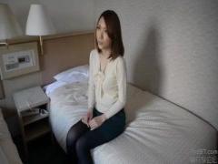清楚な色白の貧乳奥様をナンパしてホテルで中出ししちゃう