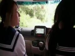 夏休み中の制服女子校生のJカップおっぱいを北海道の大草原で露出させて、...