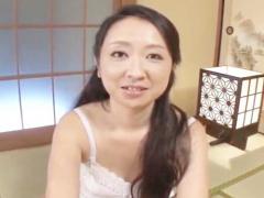 関西弁熟女がハメ撮りに挑戦! 艶っぽくおねだりする美熟女の魅力!