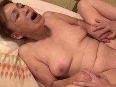 60代の祖母 六十路の裸体がこんなにエロいなんて ´;ω;` ウゥゥ おばちゃん...