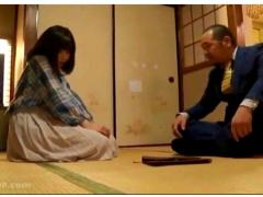 泉竜二 これは可哀想な昭和の貧乏な父娘の家庭です! アパートに借金取りが...