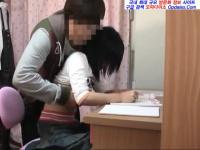 家庭教師のJK宅の勉強机でやる気のない生徒をハメ倒して説教するSキャラ先生