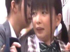 痴漢レズ おとなしノンケ美少女制服JKがオトナ女なビアン姐さんに目を付け...