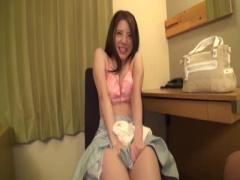 21歳のモデルのような美女がホテルで凄い腰遣いのセックス