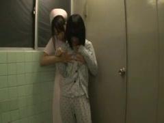 レズ 患者のトイレ中個室前で待ち伏せ 出てきたところを口を塞ぎ強引にレ...