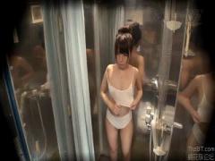 シャワー室を盗撮wwwそしてローションで透ける下着でカップルにエロマッサ...