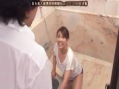 54歳の母との母子相姦を夢見る息子それが現実に…風呂掃除中の母に体を洗っ...