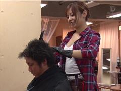 髪が伸びるのが待ち遠しくなる巨乳痴女美容師