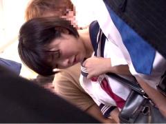 電車の中で触られて濡れているのがバレてしまった美少女JK