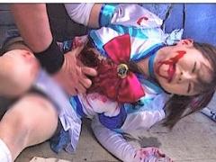 ヒロイン敗北 正義の女戦士も負けたら血まみれでボロボロにされるリョナ動画